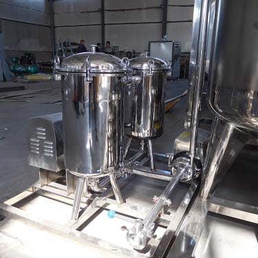 milk filtering device